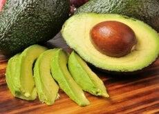 Avocado este un fruct sănătos și hrănitor
