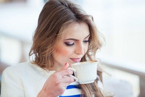 Printre beneficiile cafelei se numără faptul că este bogată în antioxidanți
