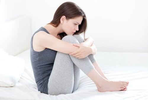 Cauze ale sângerărilor intermenstruale însoțite de dureri abdominale