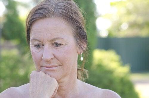 Cauze ale sângerărilor intermenstruale după menopauză