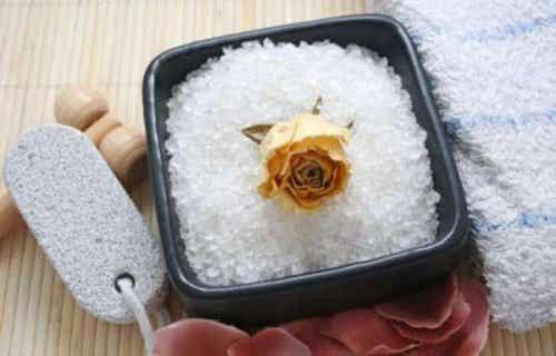 Tratament pentru celulită cu sare de mare