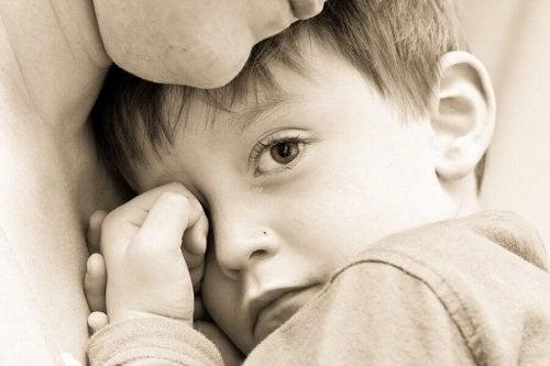 Orice părinte trebuie să renunțe la următoarele comportamente toxice