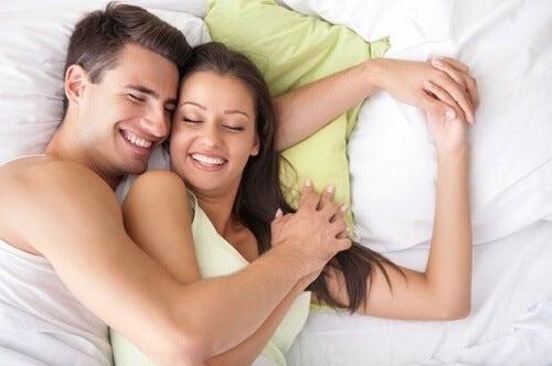 În unele cazuri, cupa menstruală poate fi folosită în timpul actului sexual