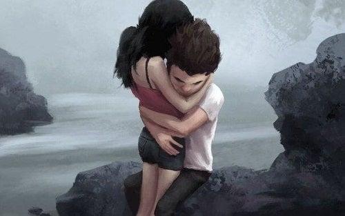 Cuplu care arată că o îmbrățișare poate vindeca sufletul