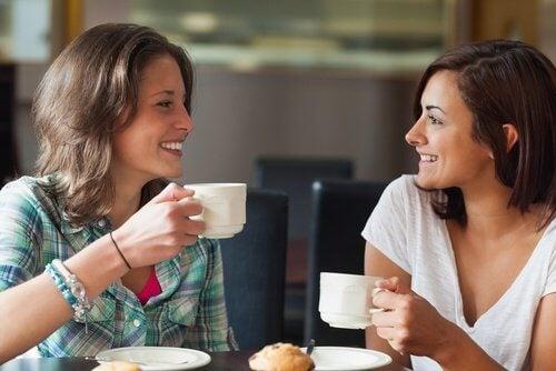Îmbunătățirea stării de spirit este unul dintre beneficiile cafelei