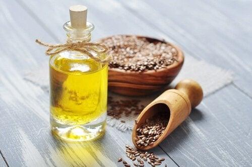 Remedii naturiste pentru bufeuri precum uleiul din semințe de in