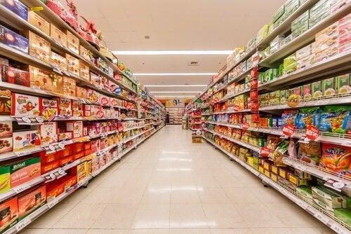 Măsuri pentru a preveni risipa de alimente din supermarketuri