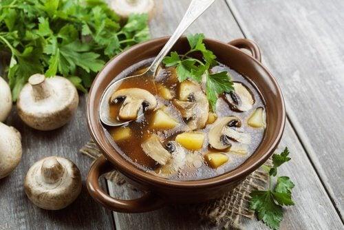Supa poate conține și ciuperci