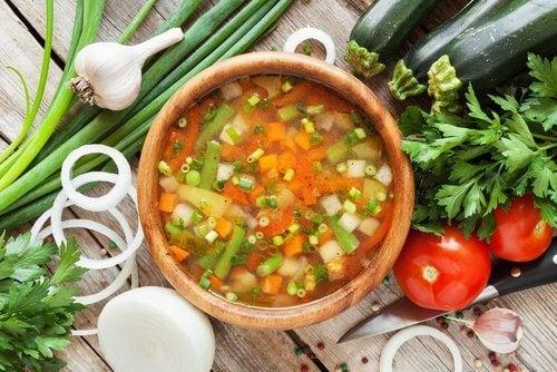 Supa de legume este foarte sănătoasă