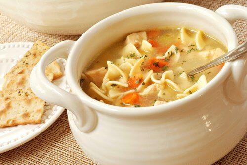 Supa rece poate fi servită pe timp de vară