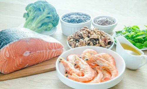 Acizii grași omega 3 ameliorează varicele