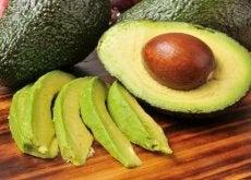 Există anumite alimente ce ne reduc riscul de a experimenta un AVC