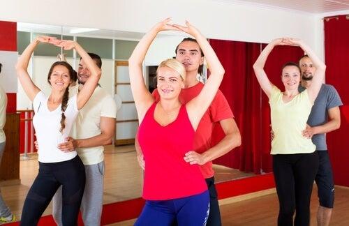 Bachata este un dans care modeează corpul