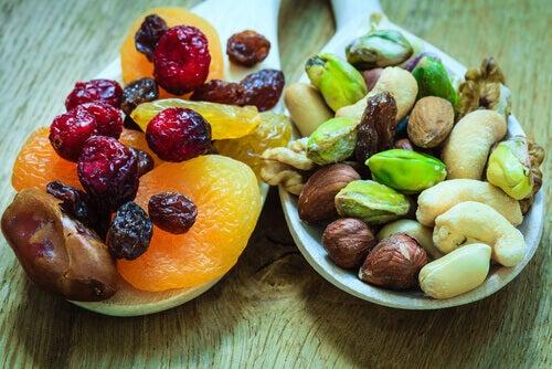 Beneficiile fructelor deshidratate pentru oase