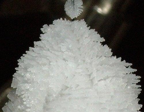 Beneficiile magneziului sub formă de cristale