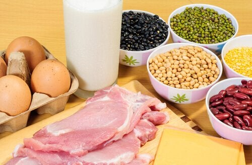 Cum să elimini pielea lăsată cu alimente bogate în proteine