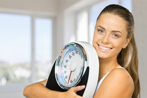 Dușurile reci promovează pierderea în greutate