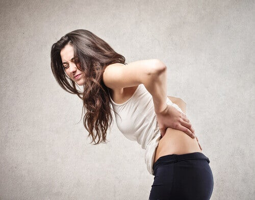 Hernia de disc provoacă dureri de spate