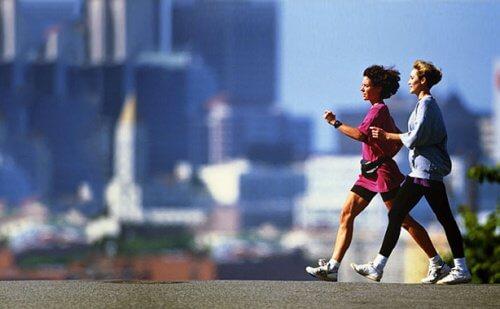 Cum să nu te îngrași la menopauză făcând mișcare