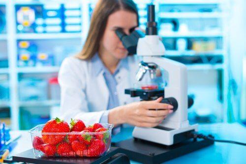 Trebuie să ne ferim de pesticide și de substanțe chimice asemănătoare