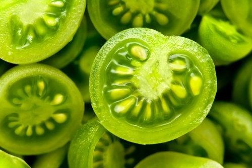 Roșiile verzi ameliorează varicele