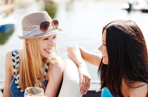 Socializarea îți îmbunătățește stima de sine