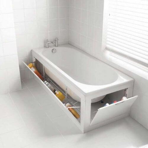 Creează un spațiu ascuns de depozitare lângă cada din baie