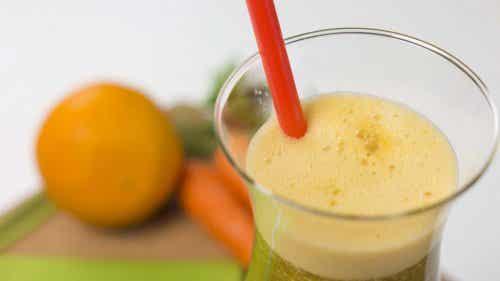 Slăbește cu suc de morcovi și portocale