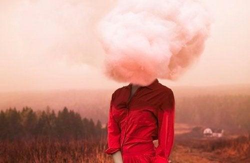 Autovictimizarea cronică creează o viziune distorsionată asupra realității