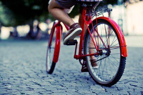 Bicicleta pe lista de exerciții pentru a slăbi