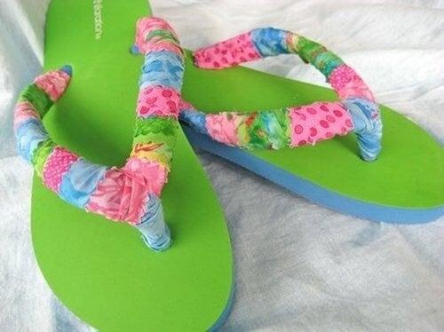 Acoperă cu bumbac baretele de la pantofii care te rod