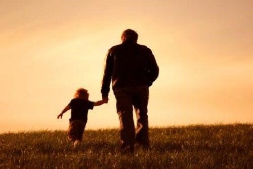 Bunicii au o relație deosebită cu nepoții lor