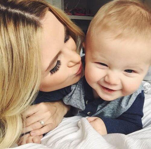 Un fiu este o comoară pentru mamă