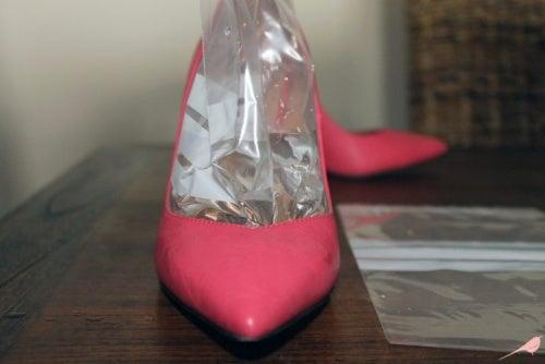 Pungile cu gheață lărgesc pantofii