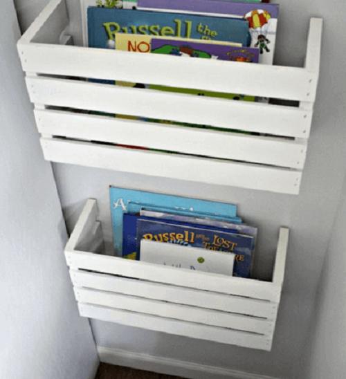 Rafturi pentru cărți din lăzile din lemn