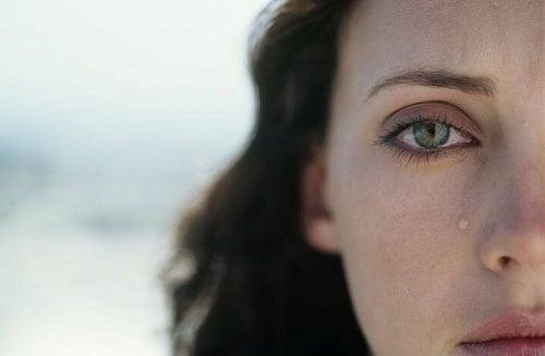 Cum reacționăm la infidelitate fără să ne răzbunăm
