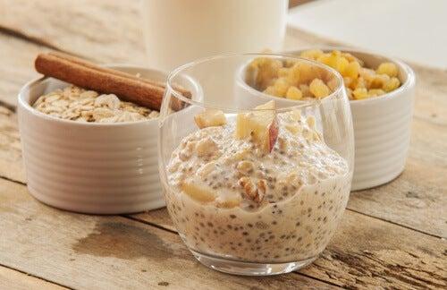 Mănâncă la micul dejun semințe de chia cu ovăz