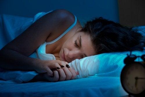 Cum să slăbești în timp ce dormi