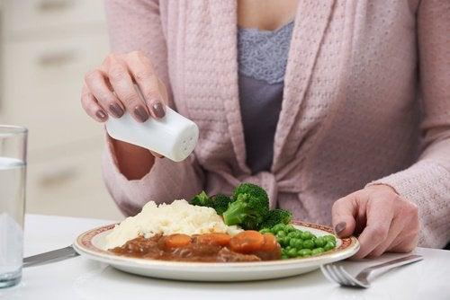Slăbești în timp ce dormi cu o cină sănătoasă