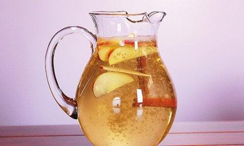 Apa cu scortisoara beneficii