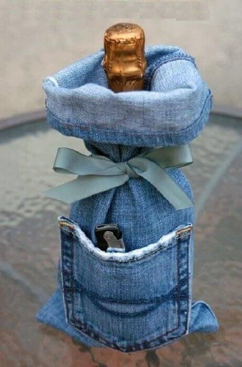 Cum să reutilizezi blugii vechi ca să faci huse