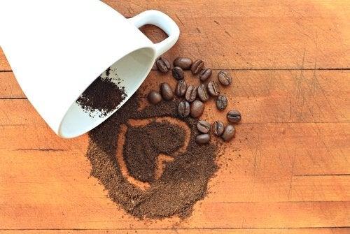 Cafeaua la micul dejun te ajută să ai un abdomen plat