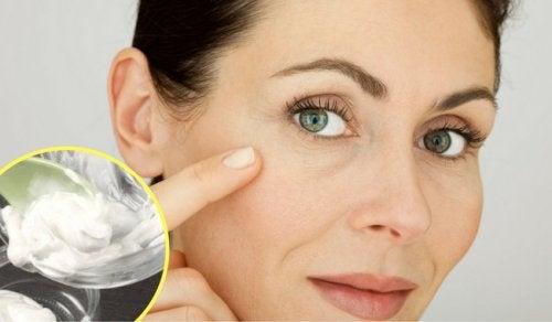Elimină cicatricele și ridurile cu doar 2 ingrediente