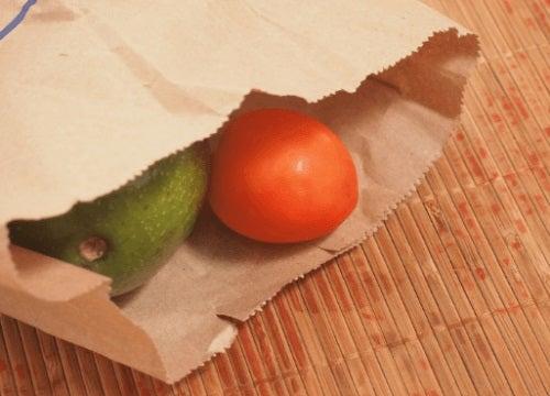 Cum se coace un avocado în pungă de hârtie