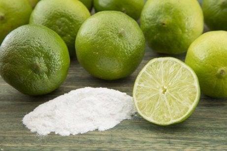 Limeta pe lista de ingrediente naturale care curăță rugina