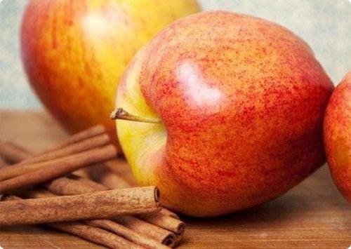 Măr și scorțișoară