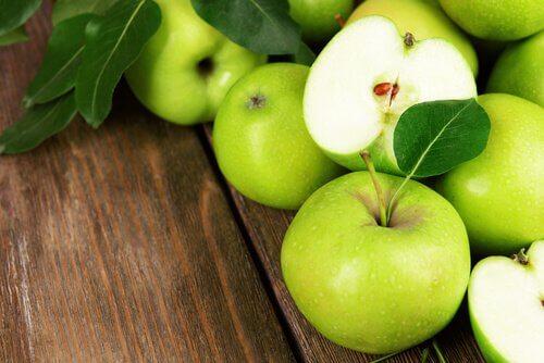 Consumul de mere verzi scade tensiunea arterială