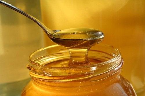 Mierea de albine este un aliment medicinal