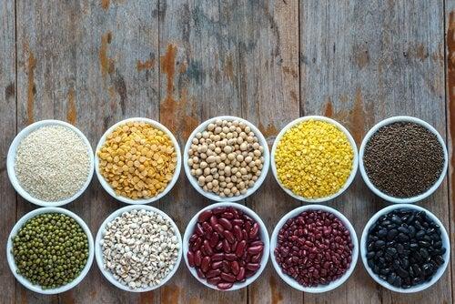 Consumul de proteine îți subțiază talia