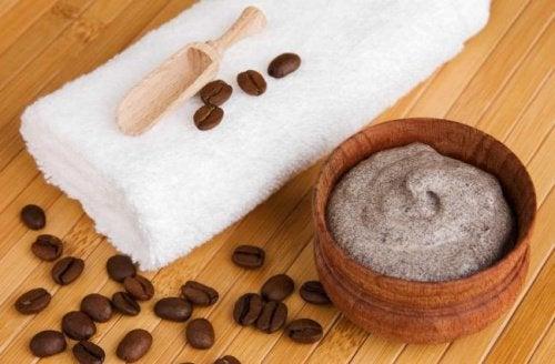 Remedii naturiste pentru varice pe bază de cafea